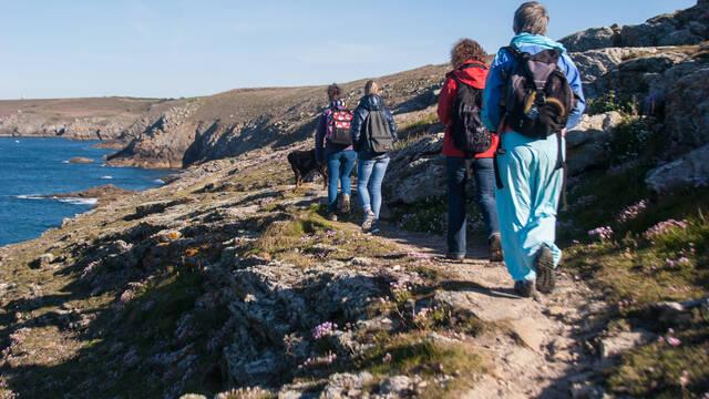 Randonnée pédestre accompagnée © Yanick Derennes - CRTB